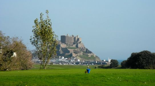 032 Approaching Gorey And Mont Orgeuil Castle