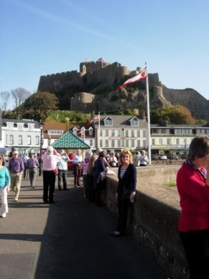 035 Gorey Promenade And Mont Orgeuil Castle