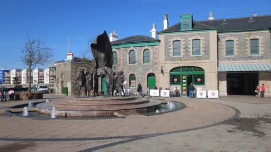 063 St Helier - Liberation Square