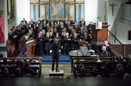 20013 Choir In Performance