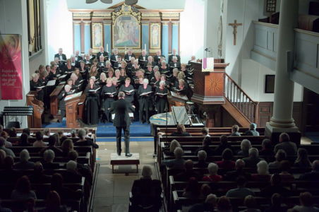 20018 Choir In Performance